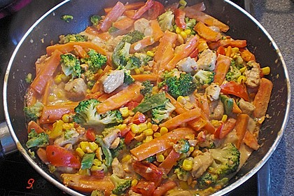 Hähnchen-Gemüse-Kokospfanne 8