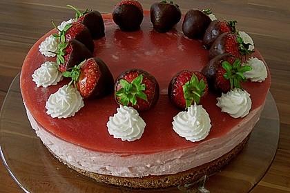 Erdbeercreme -Torte 4