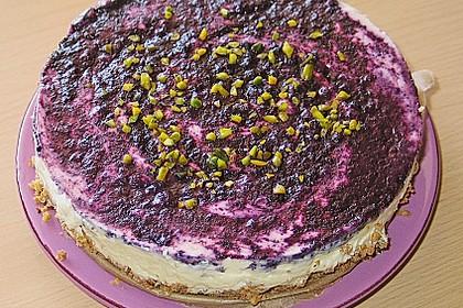 Blaubeer - Frischkäse Torte mit Crunchyboden 2