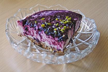 Blaubeer - Frischkäse Torte mit Crunchyboden 4
