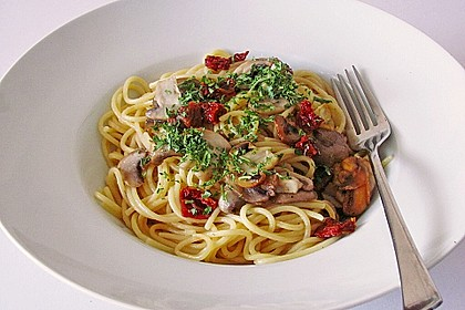 Spaghetti mit Champignons und Feta 1