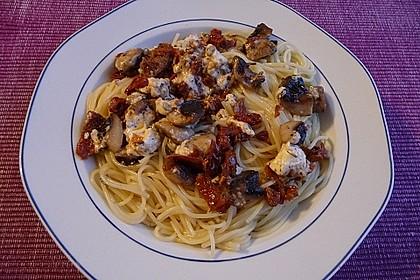 Spaghetti mit Champignons und Feta 2