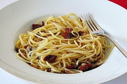 Spaghetti mit Champignons und Feta 3