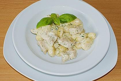 Gnocchipfanne mit Putenstreifen in Weißwein - Schmelzkäsesoße 6