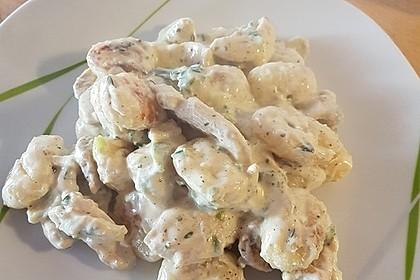 Gnocchipfanne mit Putenstreifen in Weißwein - Schmelzkäsesoße 22