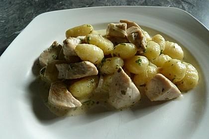 Gnocchipfanne mit Putenstreifen in Weißwein - Schmelzkäsesoße 8