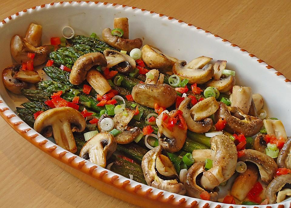 salat von gebratenem gr nen spargel mit champignons. Black Bedroom Furniture Sets. Home Design Ideas