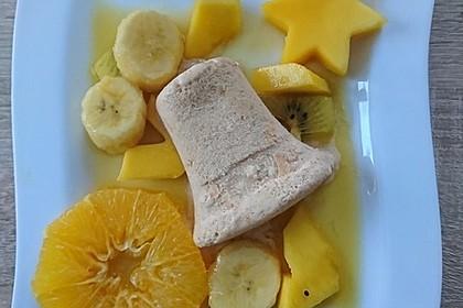 Zimtparfait mit Früchten in weihnachtlicher Karamellsoße 2