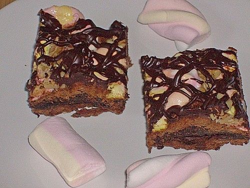 Brownies mit einem Marshmallows - Walnuss - Schoki - Topping 4