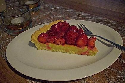 Erdbeertarte mit weißer Schokoladencreme 23