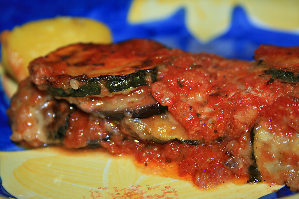 zucchini aubergine mozzarella auflauf rezept mit bild. Black Bedroom Furniture Sets. Home Design Ideas