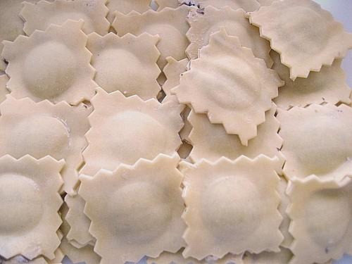 ravioli mit champignon ricottaf llung rezept mit bild. Black Bedroom Furniture Sets. Home Design Ideas