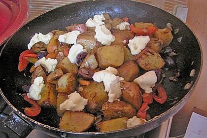 Kartoffel - Paprika Pfanne mit Schafskäse 11