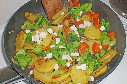 Kartoffel - Paprika Pfanne mit Schafskäse 10