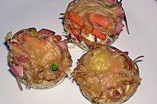 Nudel - Muffins mit Erbsen und Schinken