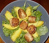 Blattsalat mit Mango und Schafskäse (Bild)