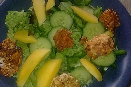 Blattsalat mit Mango und Schafskäse 47