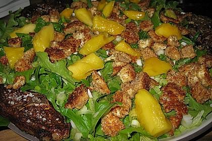 Blattsalat mit Mango und Schafskäse 37