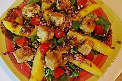 Blattsalat mit Mango und Schafskäse 44