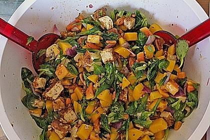Blattsalat mit Mango und Schafskäse 32