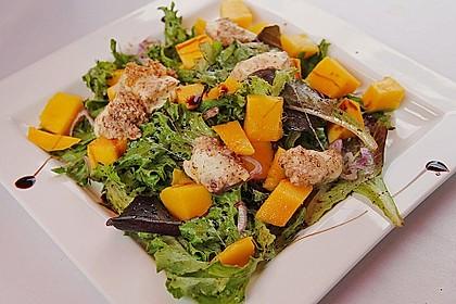 Blattsalat mit Mango und Schafskäse 2