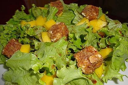 Blattsalat mit Mango und Schafskäse 7