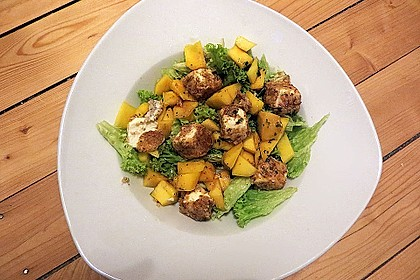 Blattsalat mit Mango und Schafskäse 6
