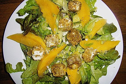 Blattsalat mit Mango und Schafskäse 11