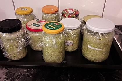 Sauerkraut in einem Glas selbst gemacht 27