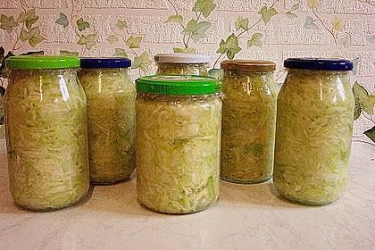 Sauerkraut in einem Glas selbst gemacht 51