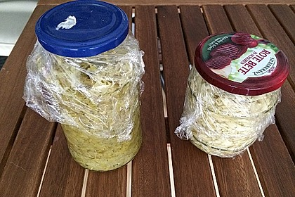 Sauerkraut in einem Glas selbst gemacht 33