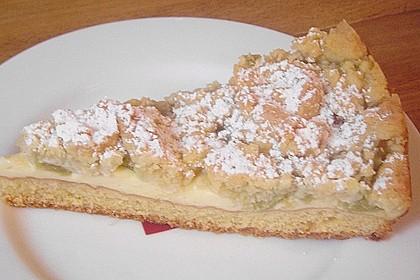 Rhabarberkuchen mit Vanillecreme und Streusel 170