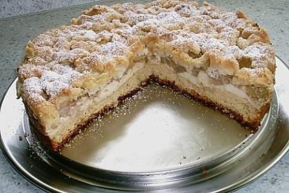 Rhabarberkuchen mit Vanillecreme und Streusel 199