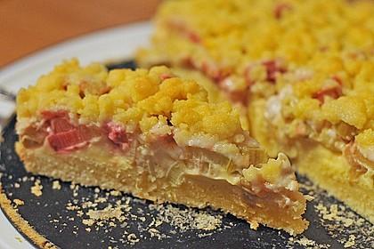 Rhabarberkuchen mit Vanillecreme und Streusel 12