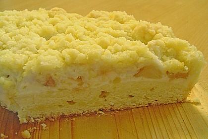 Rhabarberkuchen mit Vanillecreme und Streusel 197