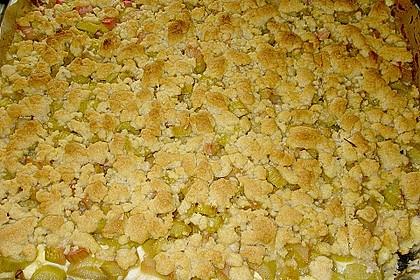 Rhabarberkuchen mit Vanillecreme und Streusel 86