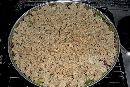 Rhabarberkuchen mit Vanillecreme und Streusel 174