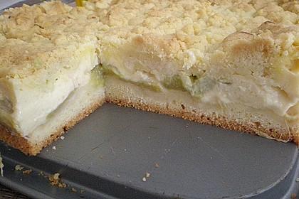 Rhabarberkuchen mit Vanillecreme und Streusel 147