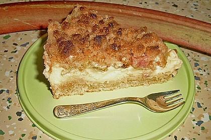 Rhabarberkuchen mit Vanillecreme und Streusel 48