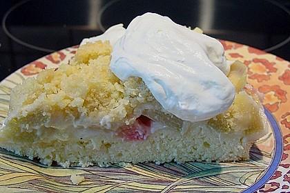 Rhabarberkuchen mit Vanillecreme und Streusel 79
