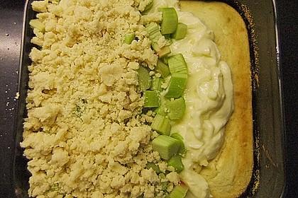 Rhabarberkuchen mit Vanillecreme und Streusel 110