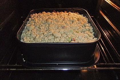 Rhabarberkuchen mit Vanillecreme und Streusel 89
