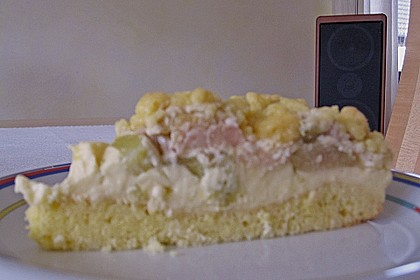 Rhabarberkuchen mit Vanillecreme und Streusel 184