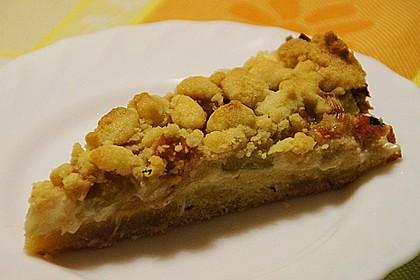 Rhabarberkuchen mit Vanillecreme und Streusel 153