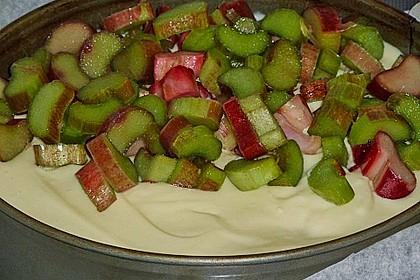 Rhabarberkuchen mit Vanillecreme und Streusel 102