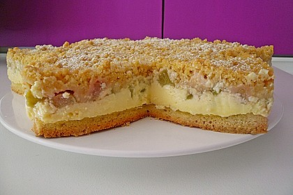 Rhabarberkuchen mit Vanillecreme und Streusel 26