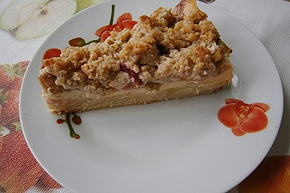 Rhabarberkuchen mit Vanillecreme und Streusel 128