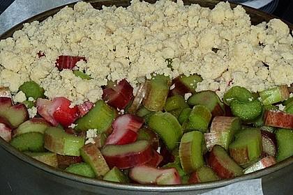 Rhabarberkuchen mit Vanillecreme und Streusel 160