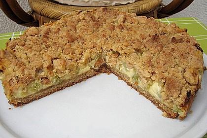 Rhabarberkuchen mit Vanillecreme und Streusel 50
