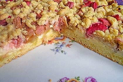 Rhabarberkuchen mit Vanillecreme und Streusel 20